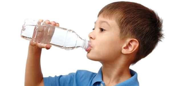 Как не заболеть зимой детям? Нужно пить больше воды